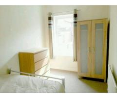 Bedroom to let